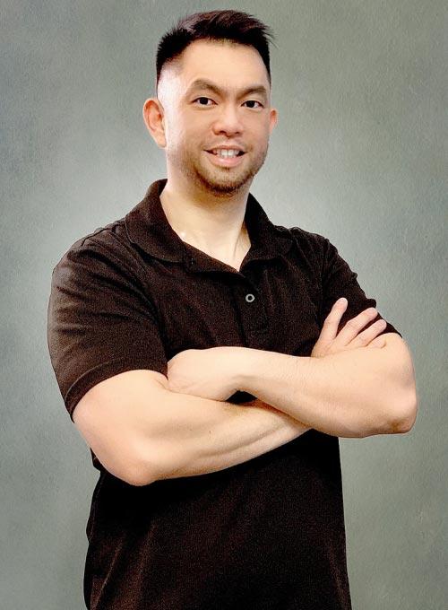 Chiropractor Carpentersville IL Dr. Phillip Que